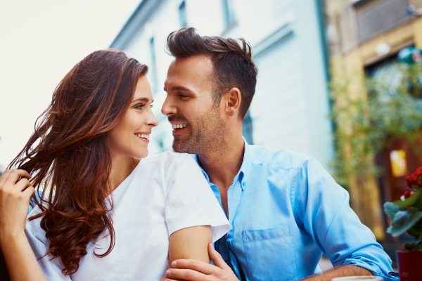 The 5 Intimacy Stages Of A Relationship | Buzz Hippy