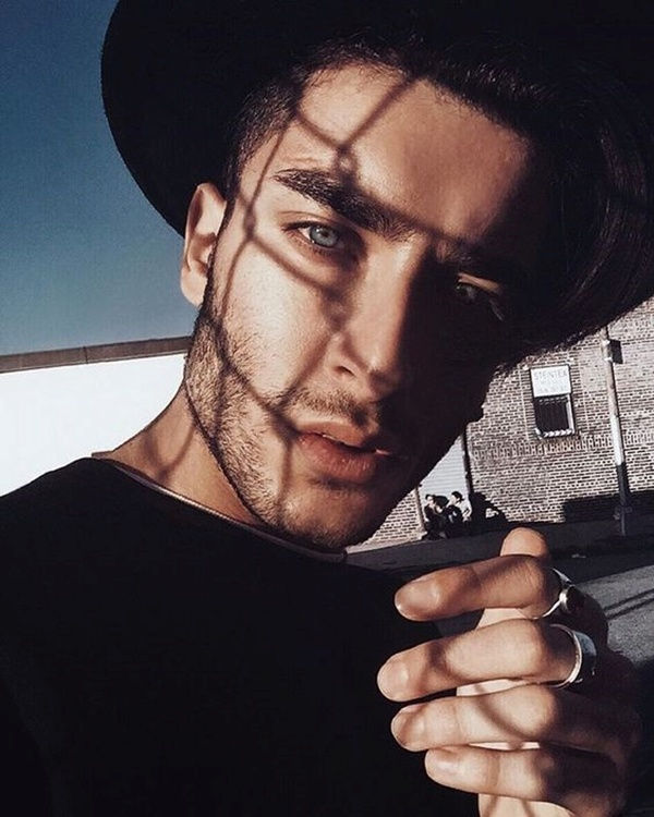 46 Best Selfie Poses For Guys To Look Stylish Buzz Hippy