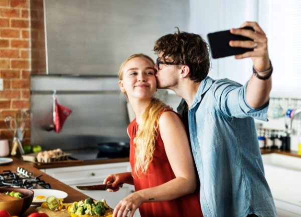 Cute Selfie Poses For Couples In 2019