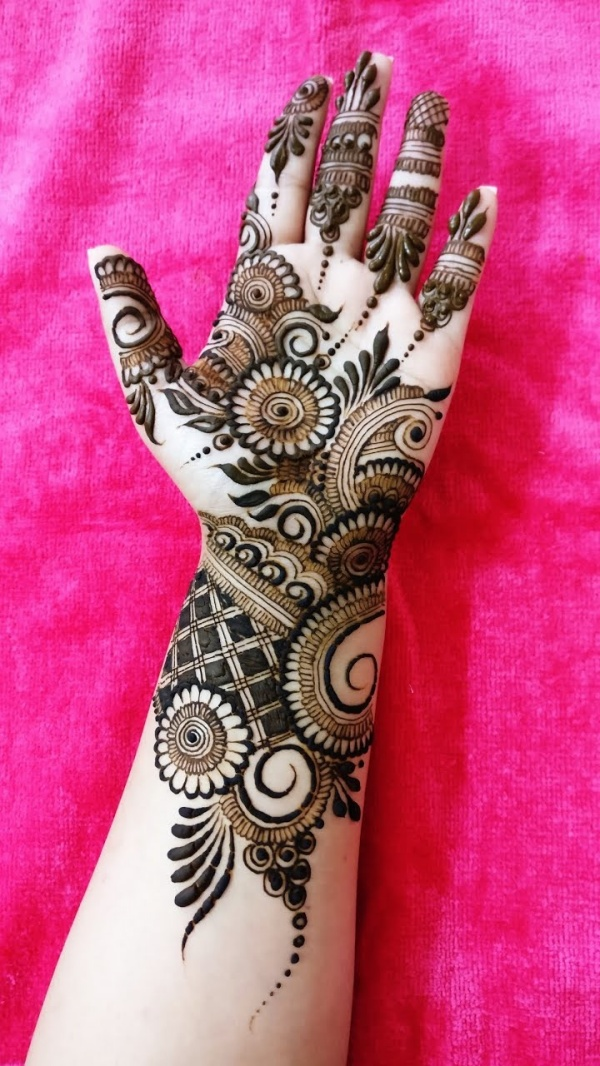 mehndi design for left hand